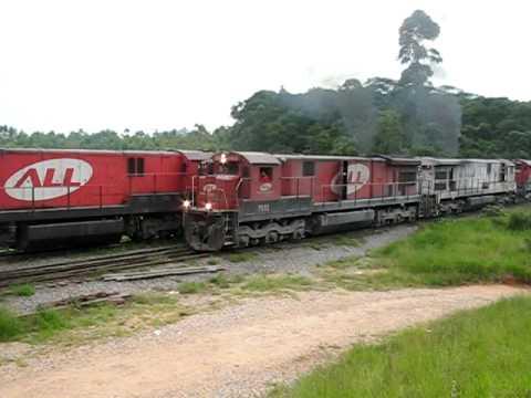 Locomotivas GE C.30 7 Arrancando Raelrff