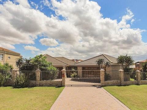 5 Bedroom House for sale in Eastern Cape   Port Elizabeth   Bluewater Bay  