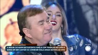 Amado Batista põe a plateia para dançar com Peão de Obra