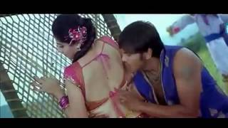 HOT NAVEL kiss taapsi navel been touched nd licked(erotic scenes)