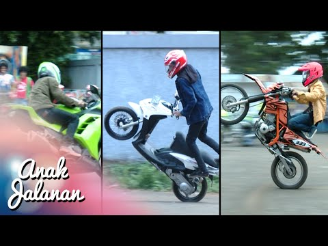 Boy, Mondy Dan Tristan Adu Gaya Freestyle Motor [Anak Jalanan] [4 Januari 2016]