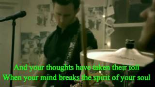 Download Green Day - 21 Guns Music Video [on-screen lyrics] 3Gp Mp4