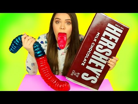 WORLD S BIGGEST CANDY Gummy Joker Tongue Giant Hershey s Giant Gummy Worm & More
