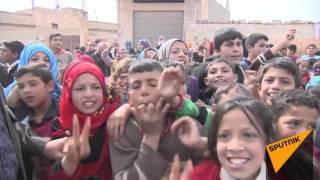 سوری های  موافق آشتی کمک انسانی دریافت کرده و مورد معاینات پزشکی قرار گرفتند