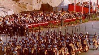 کیهان لندن- جشنهای ٢٥٠٠ ساله شاهنشاهی: افسانه در برابرواقعیت
