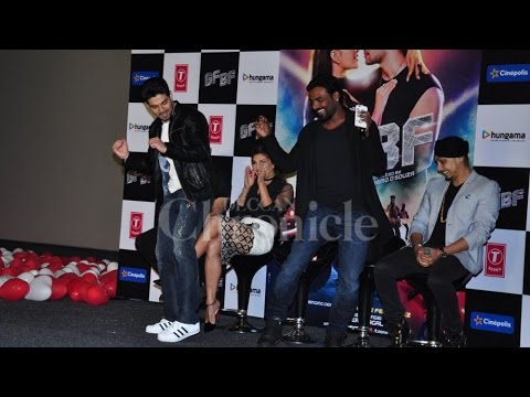 Xxx Mp4 Jacqueline Croons Sooraj Stunning Dance At The GF BF Launch And It S Worth A Watch 3gp Sex