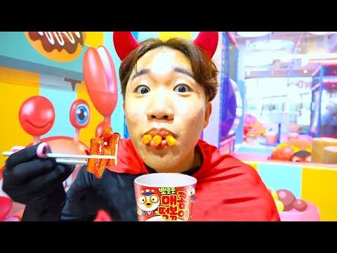 Yang Suka Makan Di Sini MUKBANG BLACK MIE KOREA Jjajangmyeon bersama Boram
