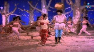 Illamanthil Ezhum Kanavil Ilayraja Hit 1982 (Manjal Nila)