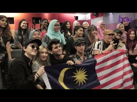 CNCO tries out Malaysian kuih & freestyles for Malaysian CNCOwners! | CNCO X HITZ HANGOUT! #CNCOKL