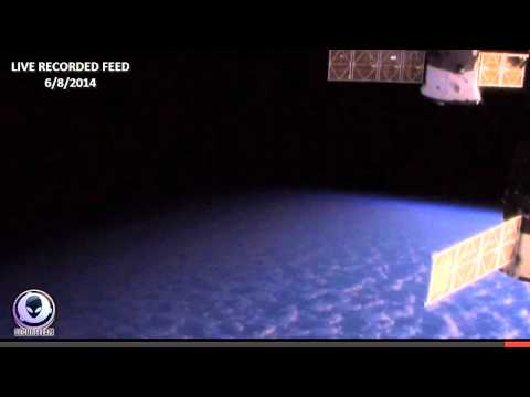 NASA CUTS LIVE SPACE FEED HD UFO APPEARS AT ISS 2014
