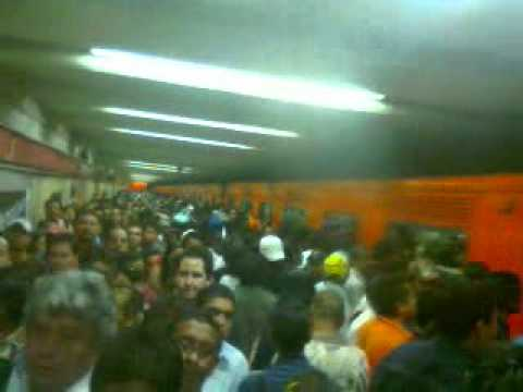 El Metro de la Ciudad de México PINO SUAREZ 24 de Diciembre