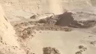 حفرة بشرق الرياض جاهزة لالتهام قائدي السيارات بالرياض