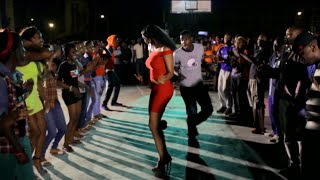 Dude Outshines His Competitors During Dance Contest In