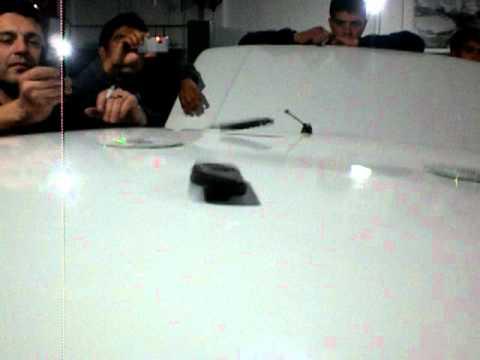 Woofer 18 Soundstream rompiendo el techo