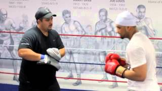 ARFAN 'THE MAJOR' IQBAL - FULL PAD WORKOUT WITH TEAM FURY'S ASGAIR @ PLATINUM COMMUNITY CENTRE