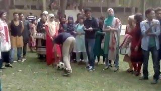 গ্রীনের মেয়েদের ফুটবল খেলা