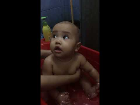 Xxx Mp4 Happy Asian Cute Baby Taking A Bath In Red Bathtub 3gp Sex