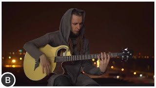 AMAZING ACOUSTIC BASS PLAYER