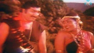 Romantic Actress Ambika | Silk Smitha & Sathyaraj : Aalapiranthavan Movie Part 09