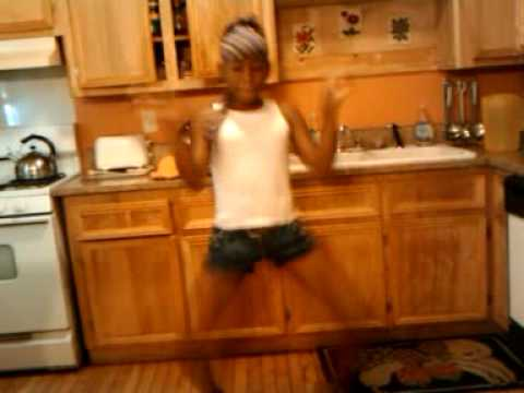 My lil sister Jade dancing to crank pretty boy
