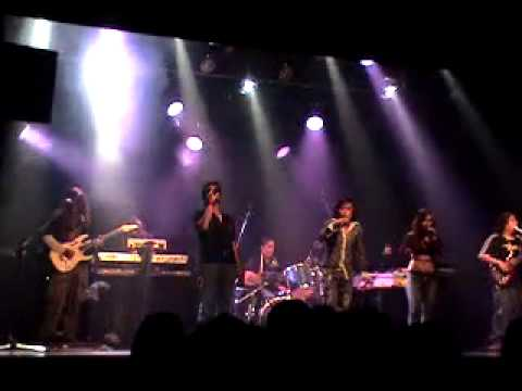 Qp8 band in Montreal Canada concert bohemian rhapsody by QUEEN