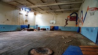 Urban Exploring Abandoned Y.M.C.A - Found the Gym and Pool
