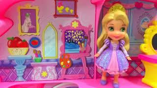 Disney Princess Castle Dolls Playset with Snow White and Cinderella · itsplaytime612