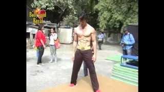 Tiger Shroff does live action ''Parkour'' for ''Heropanti'' Part 1