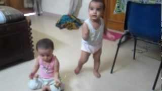 Divyam & Kush playing with mandir ki ghanti