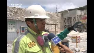 Caliza triturada es trasladada por el centro de la montaña (Café Noticias Ecuador)