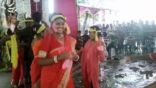 দুর্গা পুজায় রওশন বাউলের গানে ! তাড়াশের দিদি দের Hot dance ! Rowson baul -Funny Videos