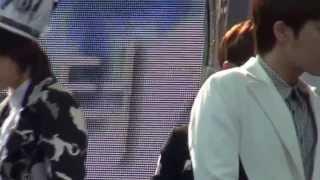20130511 희망TV_본무대 등장하는 Infinite_Hoya