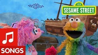 Sesame Street: Find Rainbow with Elmo and Abby! | I Spy Color Song #5