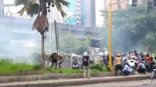 #24May La represión madurista y la resistencia antidictadura chocan en Bello Monte