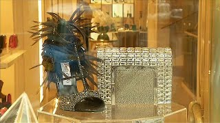 Michael Kors faz oferta de compra da Jimmy Choo - corporate