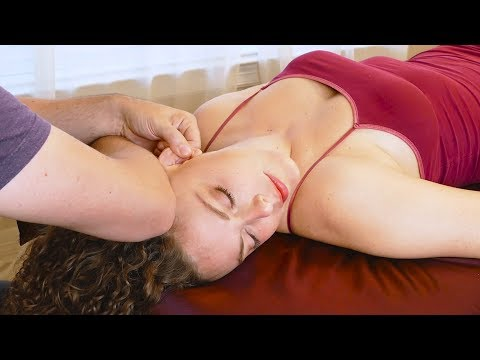 Xxx Mp4 Relaxing Massage Tutorial For Neck Pain Tense Shoulders Headaches How To Massage With Robert 3gp Sex