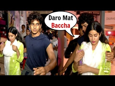 Xxx Mp4 SCARED Jhanvi Kapoor Protected By Bf Ishaan Khattar From Fan Trying To Get Close To Her 3gp Sex