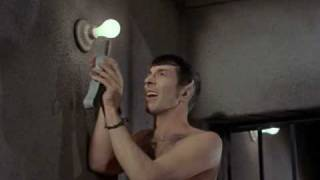Star Trek - Kirk and Spock Escape