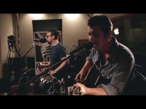 Arctic Monkeys - Do I Wanna Know? (acoustic) - FM 949