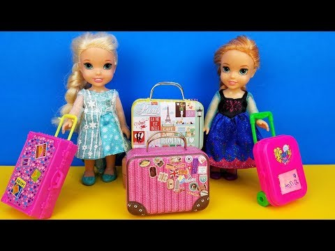 Xxx Mp4 Vacation Packing Elsa And Anna Toddlers Shopping For Luggage Suitcases Barbie Is The Seller 3gp Sex