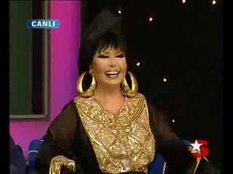 Popstar Ercan Kırmızıyı Severler ve Roman Oyunu