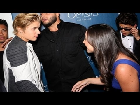 Download Justin Bieber Spotted Losing His Cool And Being Rude With Fans (VIDEO) HD Mp4 3GP Video and MP3