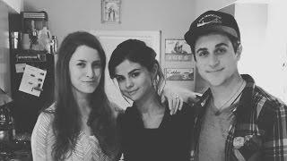 Selena Gomez Has Dinner With