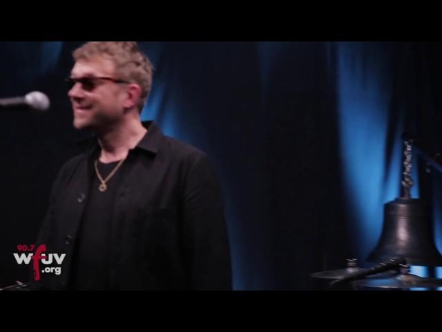 "Gorillaz - ""Andromeda"" (Live at WFUV)"