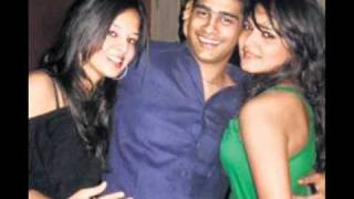 Dhoni and sakshi wedding pics..SAKSHI unseen pics( must watch Video)