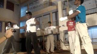 Anna university trichy Hostelday dance 2006