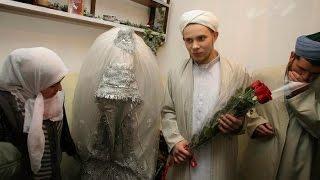 شاهد ماذا حصل لشاب تزوج عجوز - قصة واقعية السعودية