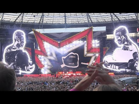 Robbie Williams - Opening of The Heavy Entertainment Show - Live in Hannover, Germany 11/07/2017