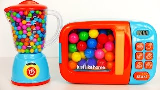 Cooking with Microwave and Blender Playset | Learn colors with Gumballs and Candy Surprise Toys