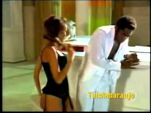 Ellen Taís Araújo faz striptease pra Foguinho parte 2 Cobras & Lagartos